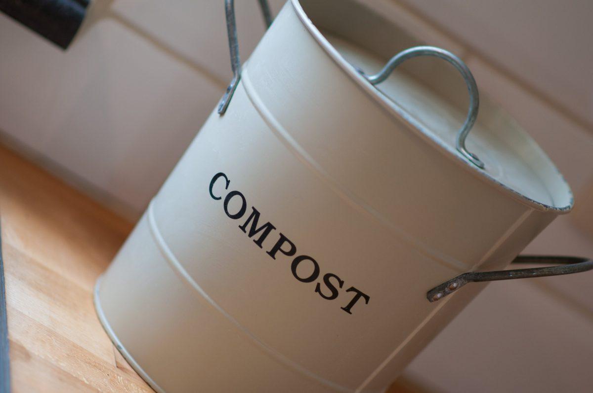 Hof der Heerlijckheid - keuken compostbakje