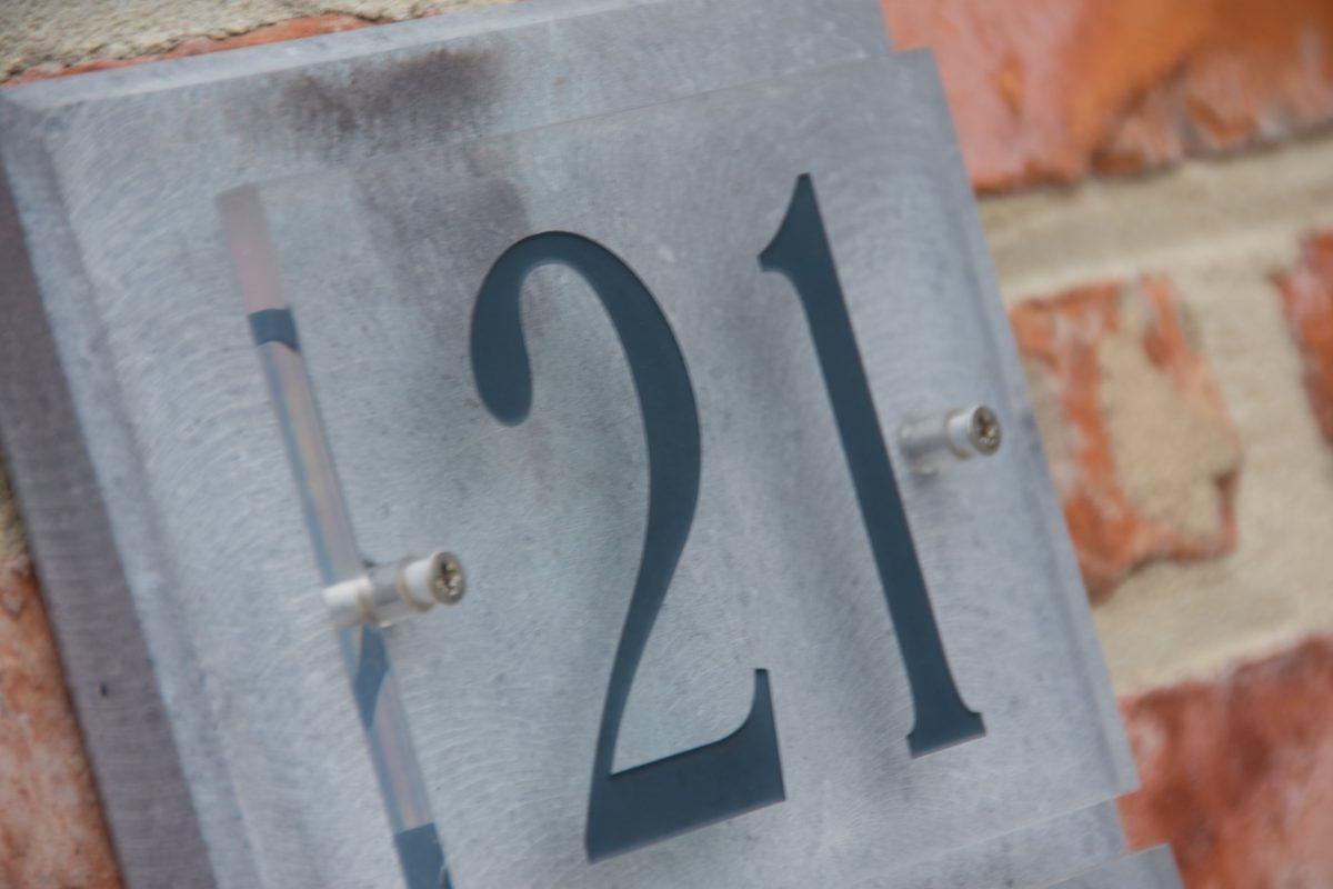 Hof der Heerlijckheid - outdoor huisnummer