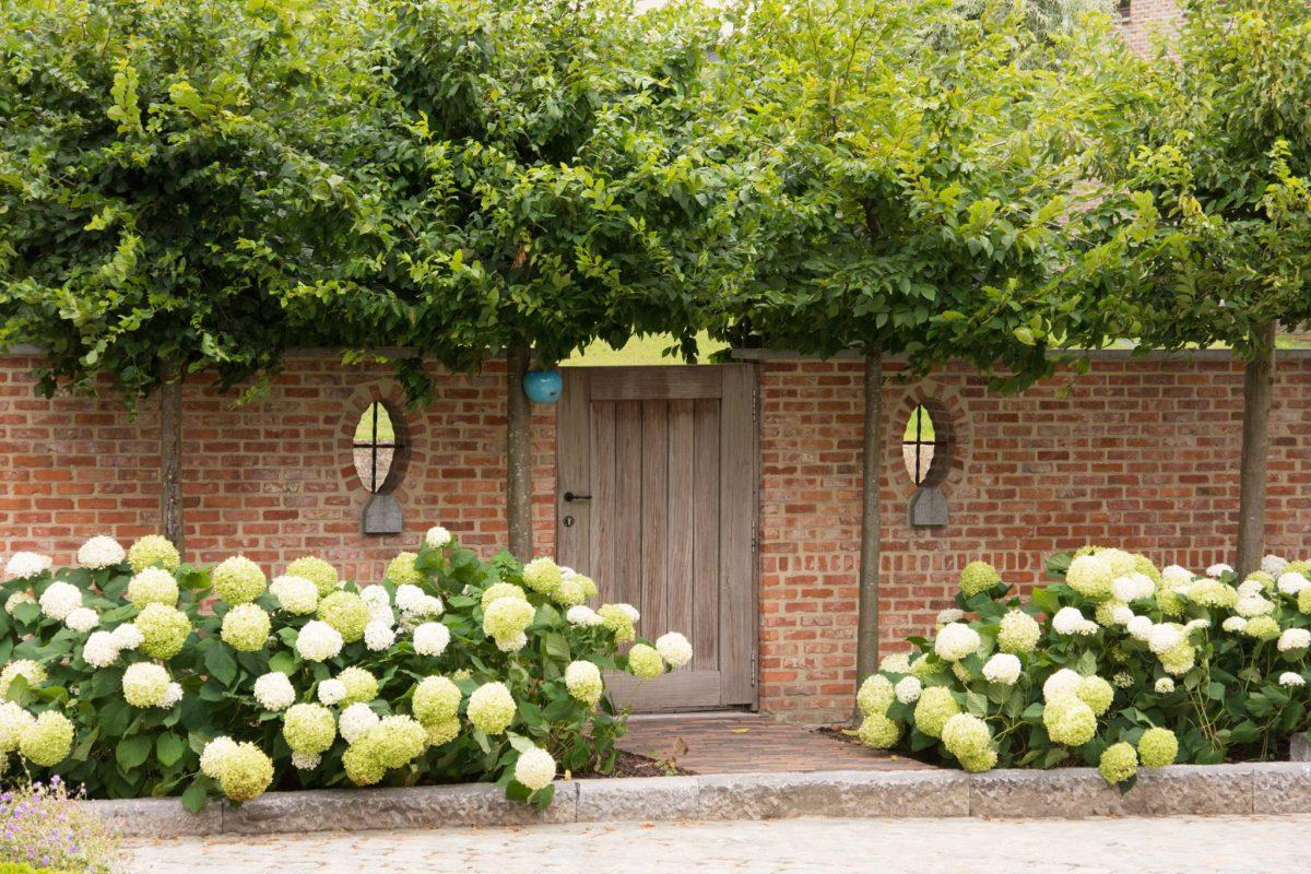 Hof der Heerlijckheid - outdoor tuinpoort binnen